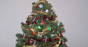 Small Christmas Tree Decorating Ideas Gold Ribbon Home Interior