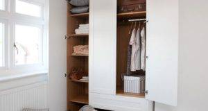 Small Closets Benefit Capsule Wardrobe Concept
