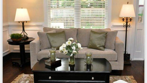 Small Living Room Editorial Which Listed Within