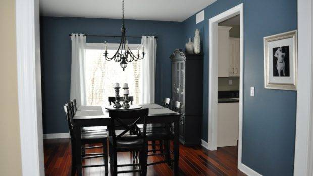Spacious Dining Room Dark Blue Wall Painting Decobizz