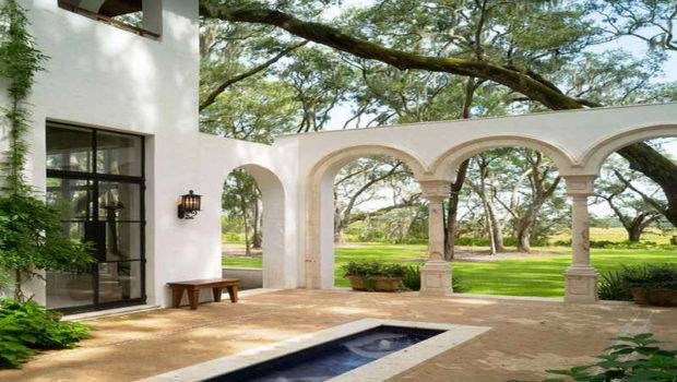 Spanish Style Luxury Homes Common
