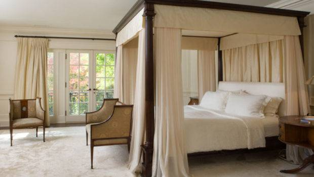 Stunning Bedrooms Flaunting Decorative Canopy Beds Smiuchin