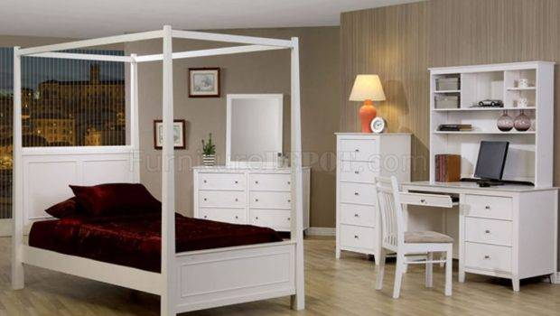 Stylish White Finish Bedroom Canopy Bed Crbs