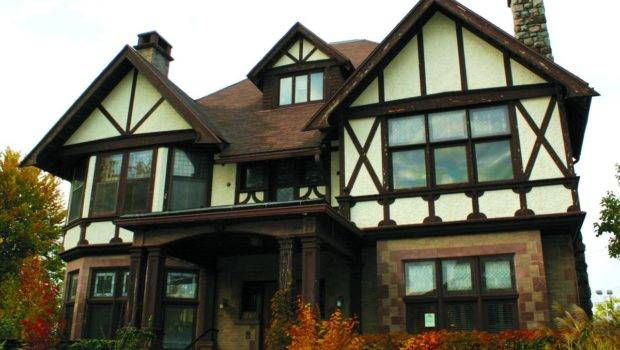 Swoon Over Tudor Style House Homes Inspire