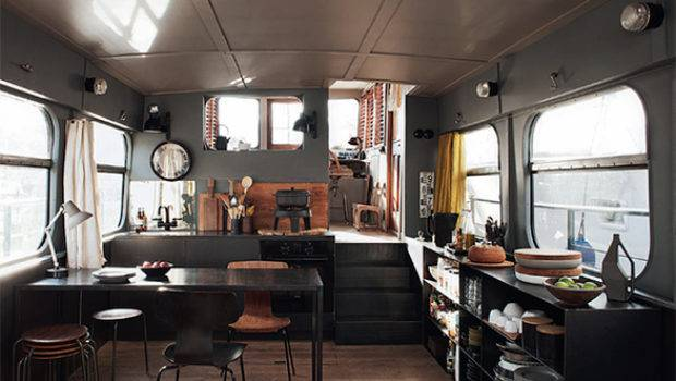 Three Best Houseboat Barge Designs