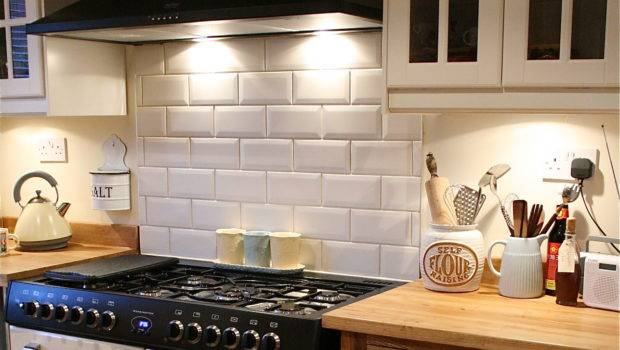 Tile Bathrooms Kitchens Using Metro Subway Tiles