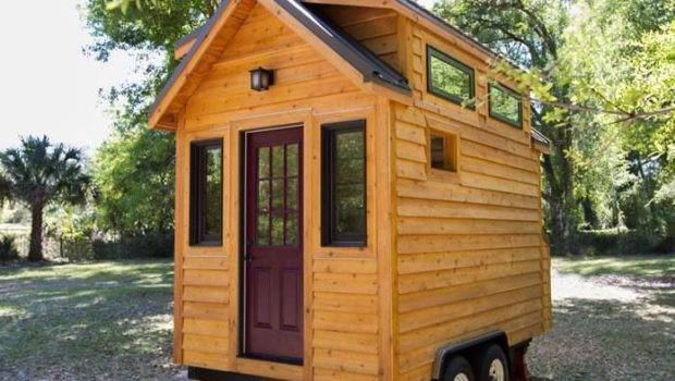 Tiny Cabin Wheels Cabins Bunk Houses Pinterest