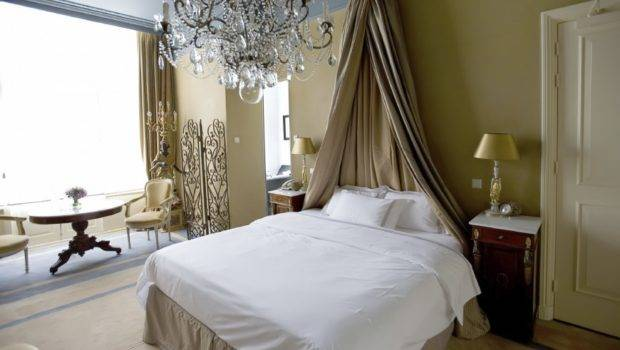 Topped Candelabra Bed Curtain Place Headboard