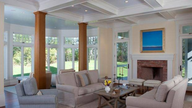 Traditional Living Room Wooden Columns