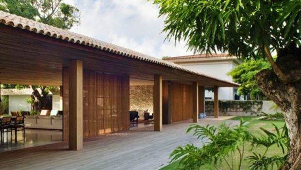 Tropical Home Designs Combines Classic Modernity