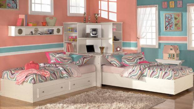 Twins Girls Sharing Two Bed Striped Design Idea Storage Space Saver