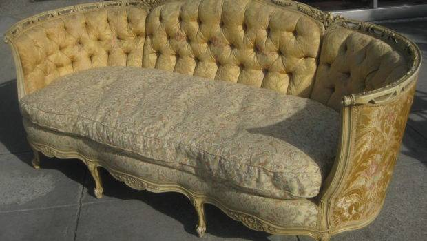 Uhuru Furniture Collectibles Sold Victorian Sofa