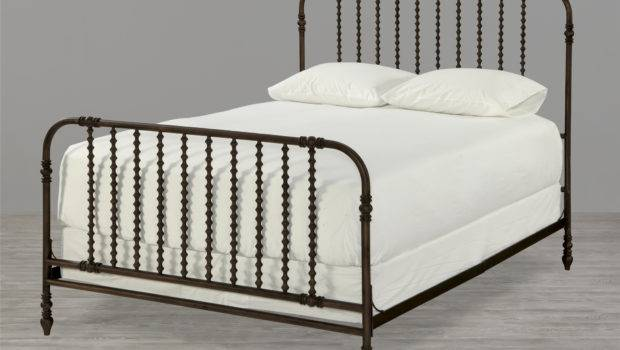 Universal Furniture River House Guest Room Bed Queen
