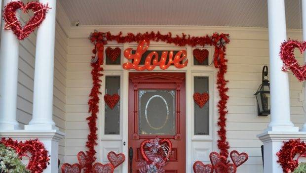Valentine Day Decorations Decorate Porch Front