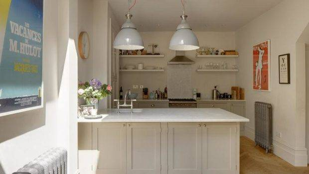 White Breakfast Bar Interior Design Ideas
