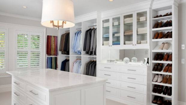 White Painted Maple Wood Walk Closet Dressing Room