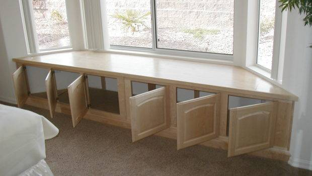Window Seat Maple Natural Bedroom