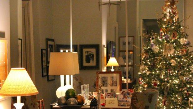 York City Lifestyle Blog Holiday Decor Nyc Apartment Christmas